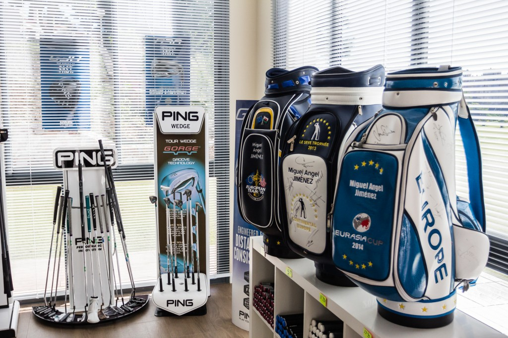 pro golf store MAJ Golf Academy - Tienda de golf profesional